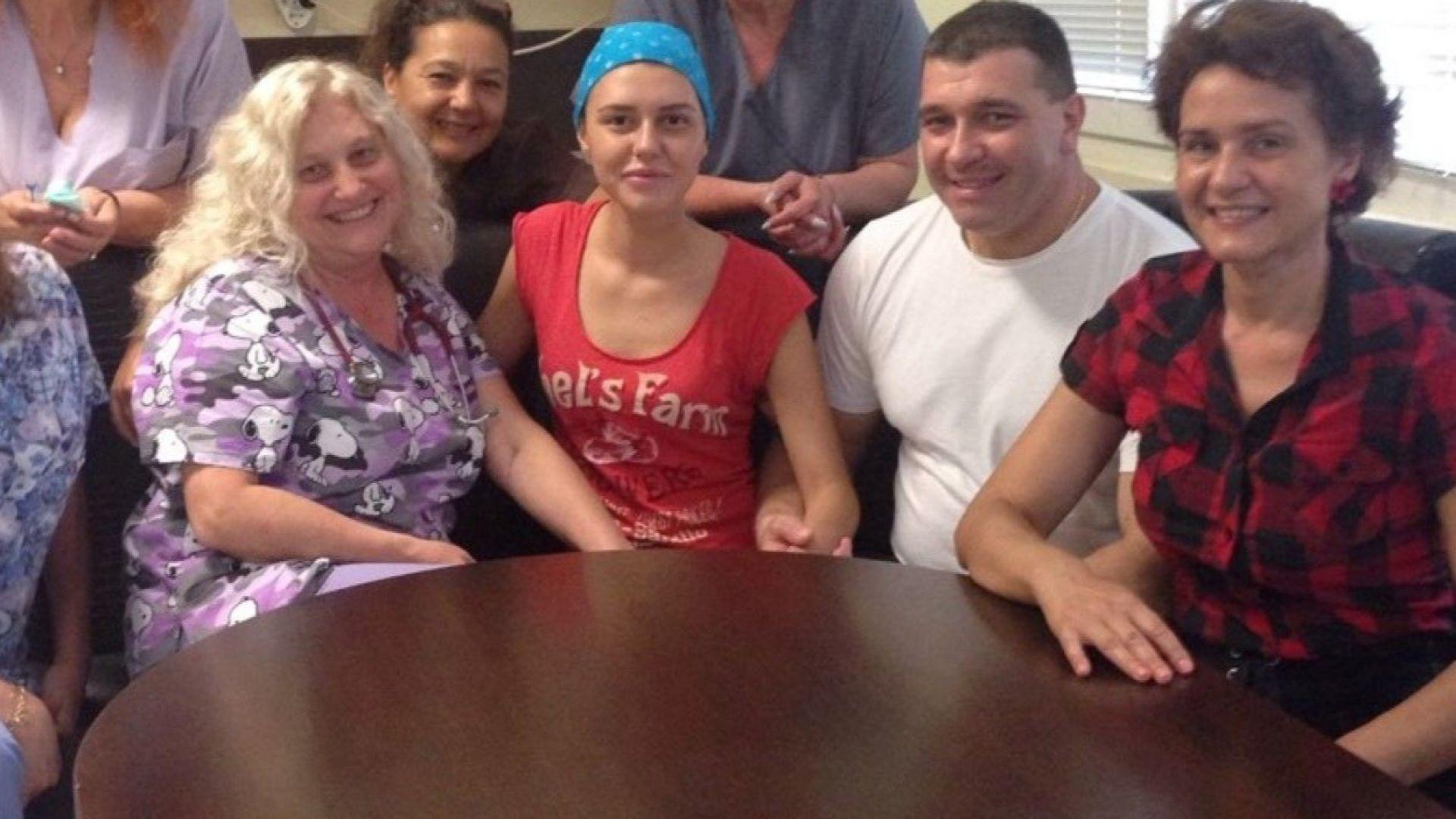 Оцелялата след куршум в главата Симона отиде и благодари на лекарите