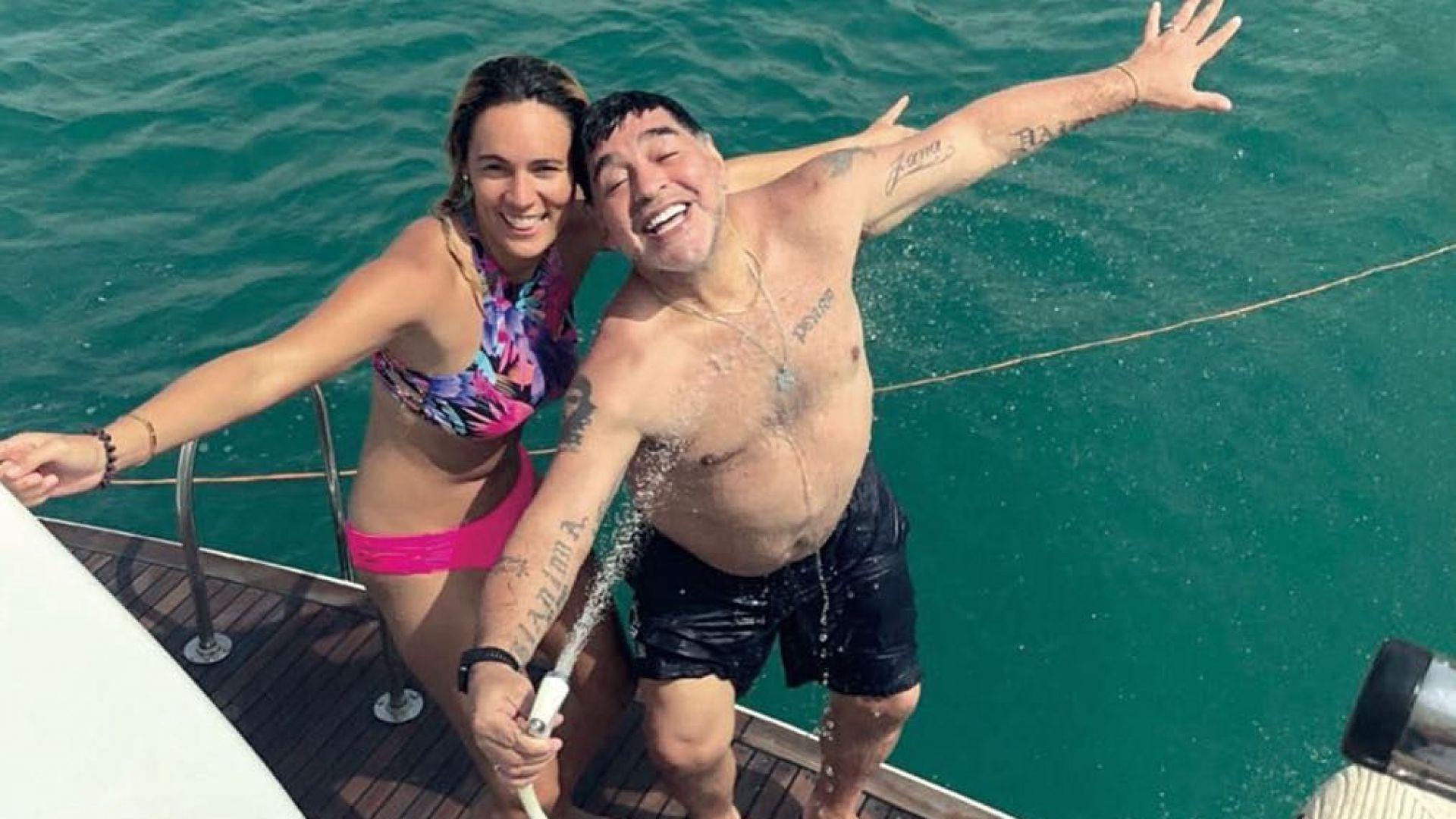 Диего Марадона се сгоди за 28-годишната си приятелка