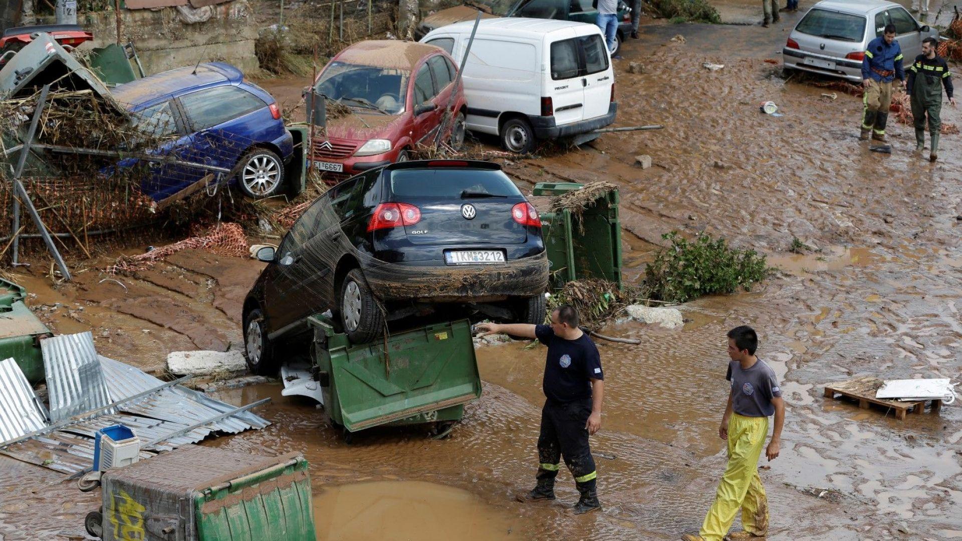 След огнения ад, потоп в Северно предградие на Атина