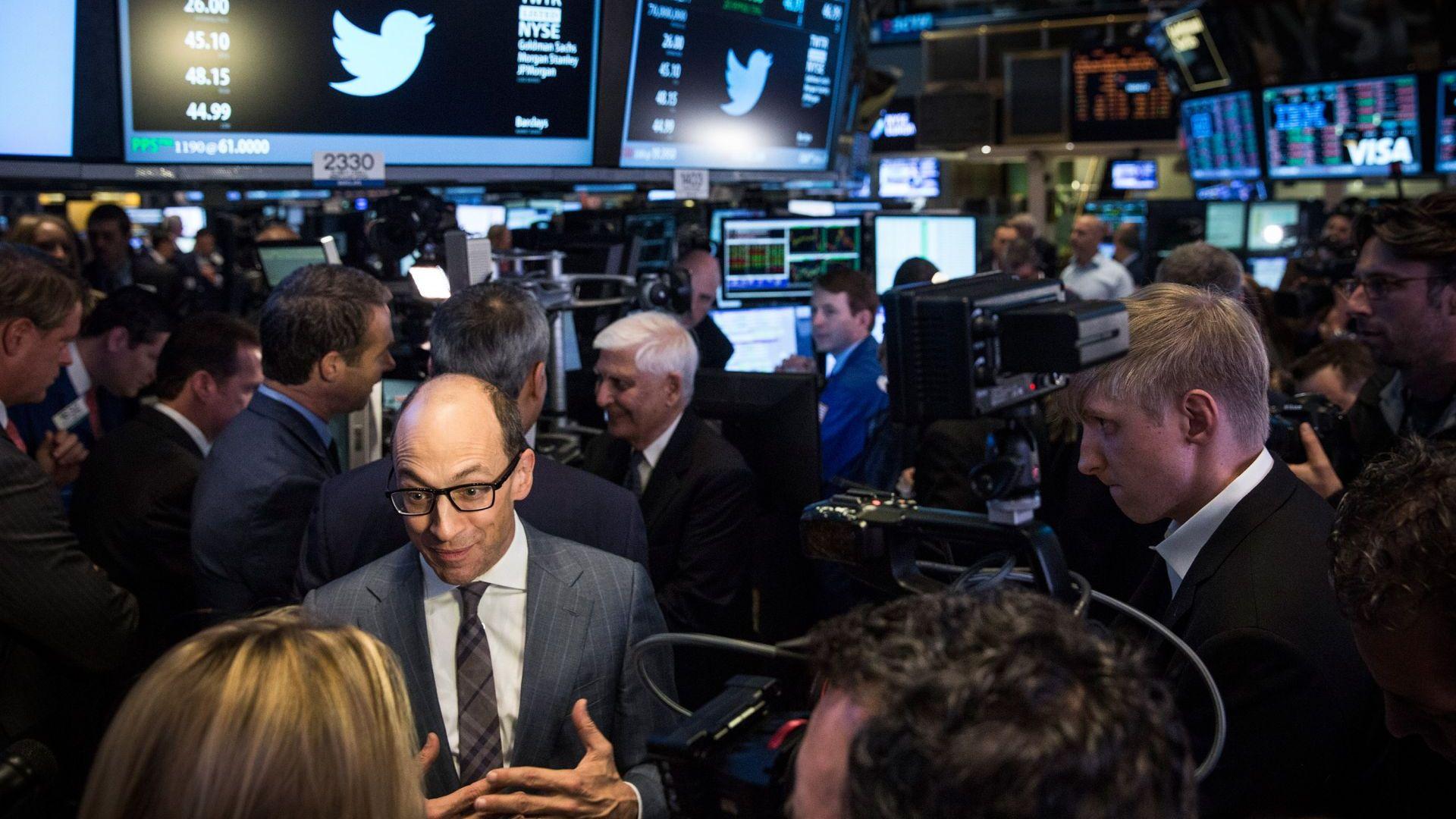 И Туитър със срив в цената на акциите си