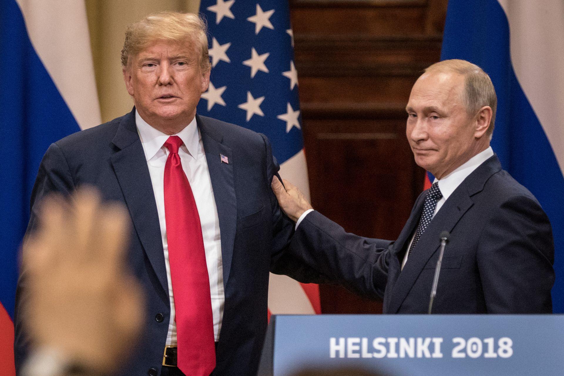 Доналд тръмп и Владимир Путин по време на срещата им в Хелзинки