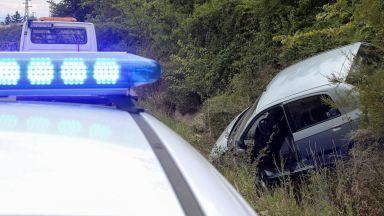 Шофьор загина при челен сблъсък на Подбалканския път, две деца пострадаха