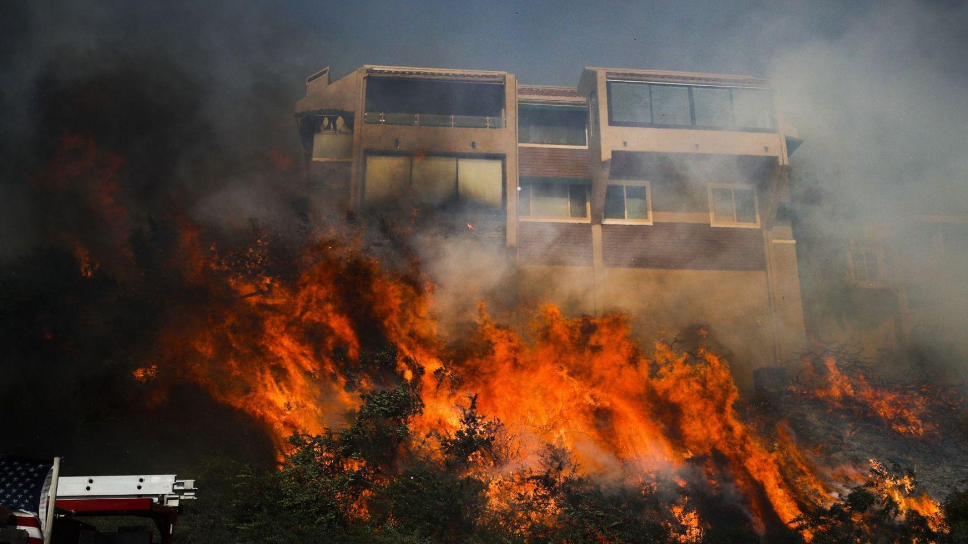 Адът в Калифорния продължава - хиляди са евакуирани, два пожара още бушуват