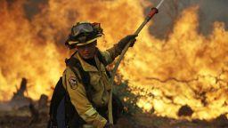 10 жени изгоряха живи при пожар в дом за стари хора (видео)