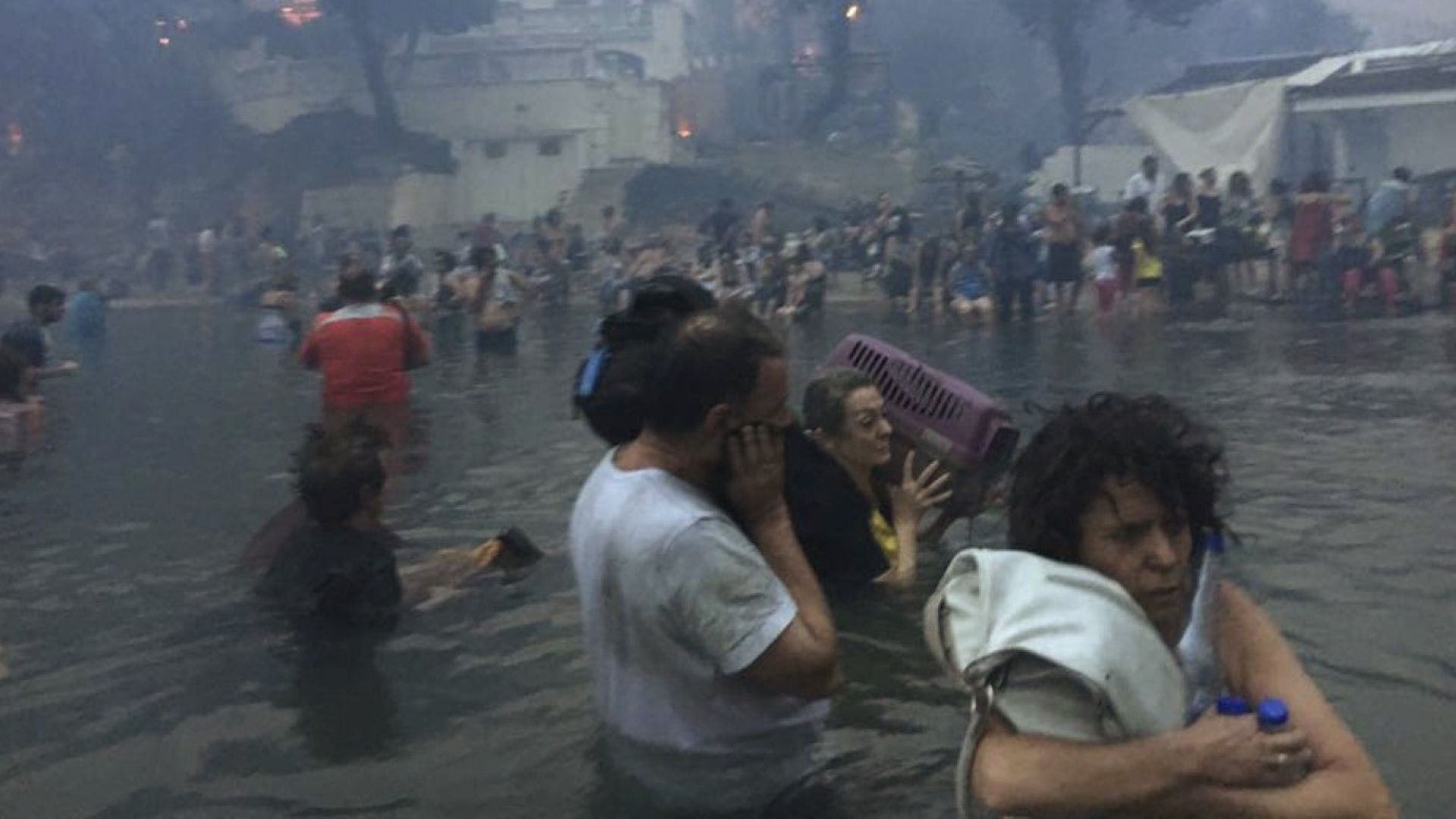 Поне 91 загинали в най-смъртоносните в Европа пожари от 118 г. - гръцките