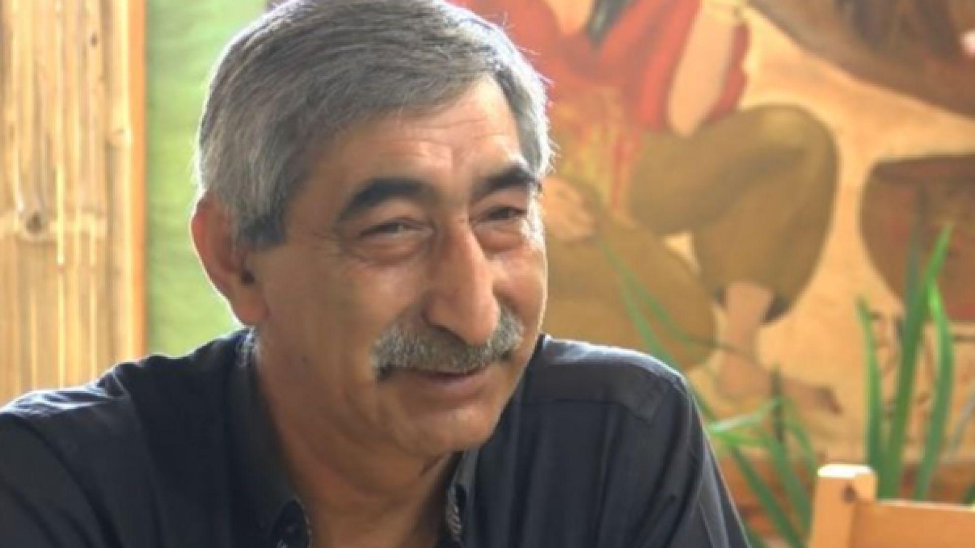 Двойник на големия актьор Георги Парцалев работи като сервитьор на морето