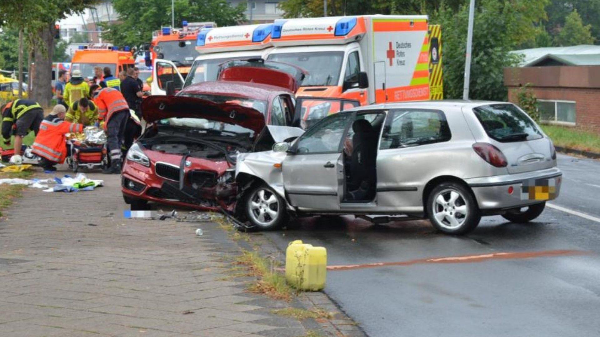 4-ма българи с бебе ранени при челен удар в Германия