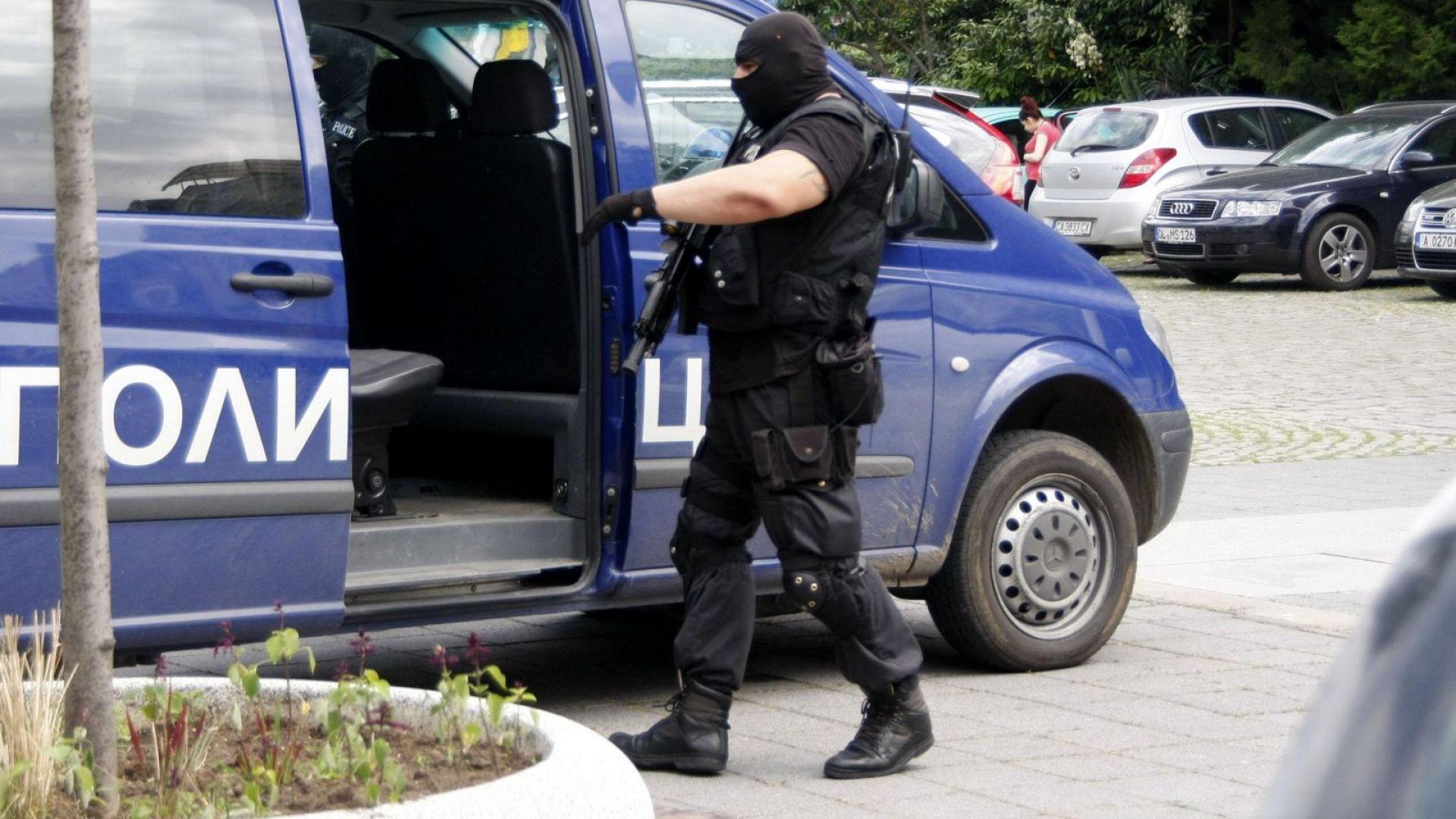 Над 500 задържани при спецоперация на МВР в София
