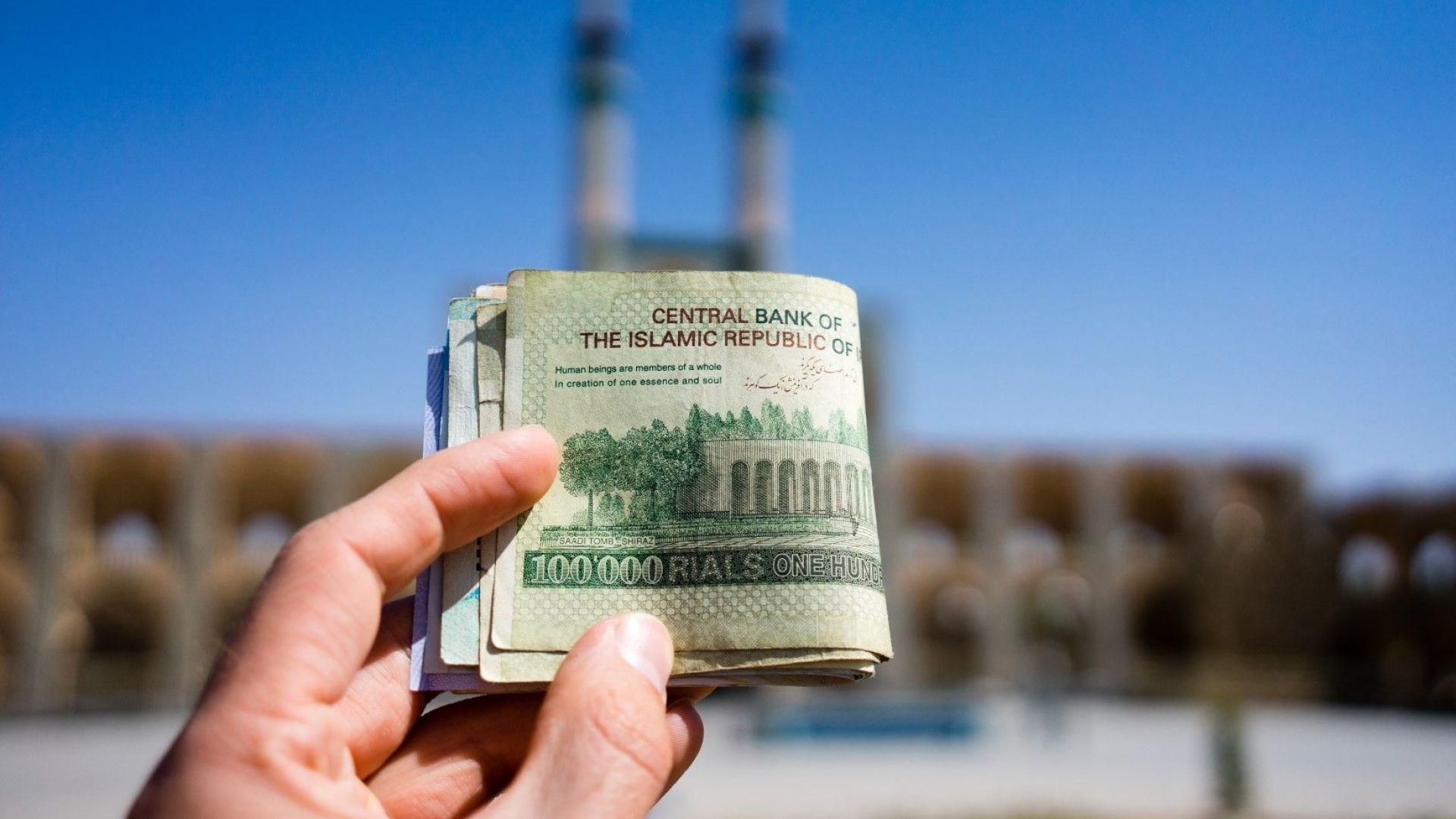 Иран влезе в тежка валутна криза