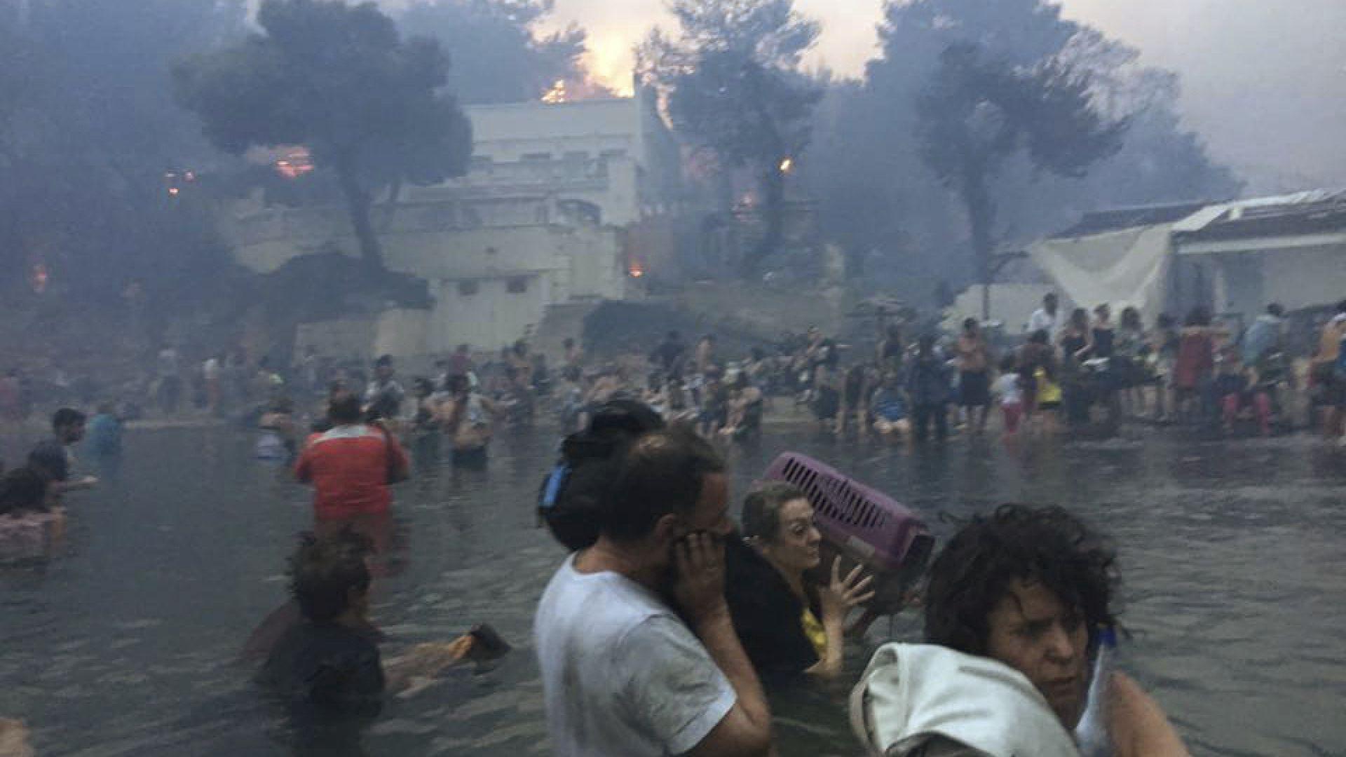 Овъглено тяло изплува до брега на Вулягмени в Атина