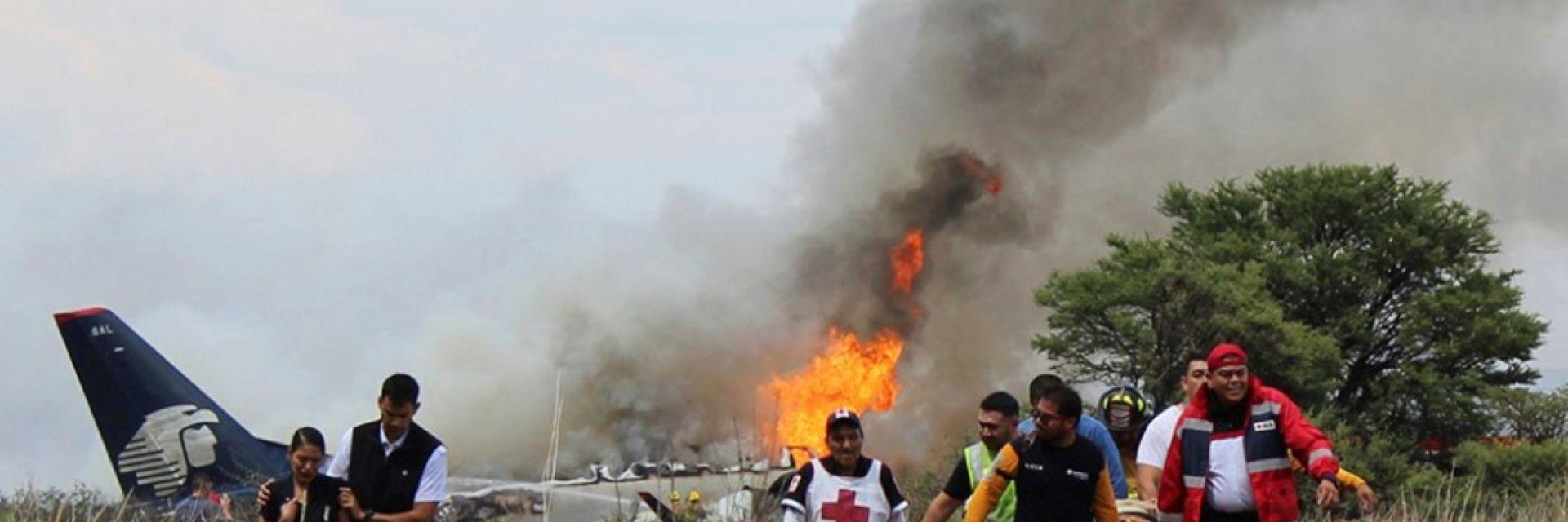 Пътничка в разбилия се самолет в Мексико заснела катастрофата (видео)