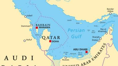 Иран струпва 100 бойни кораба в Персийския залив до дни