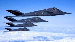 САЩ имитира руски и катйски стелт самолети с F-117