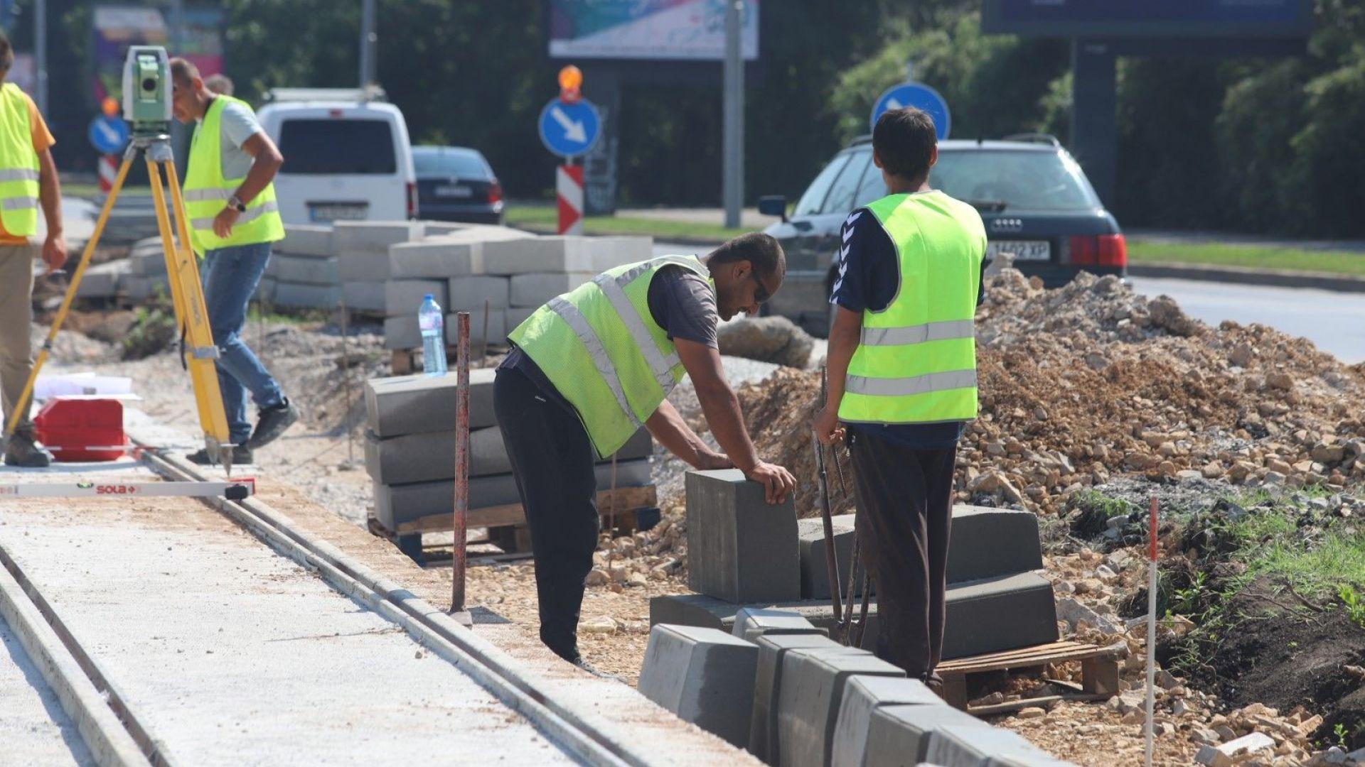 """Ремонт започва и по бул. """"България"""", ще сменят асфалта"""