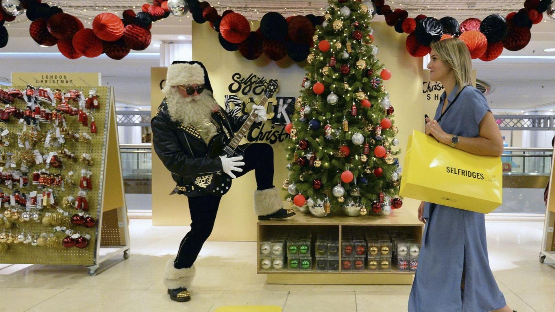 Дядо Коледа пристигна в горещия Лондон, подранил със 144 дни