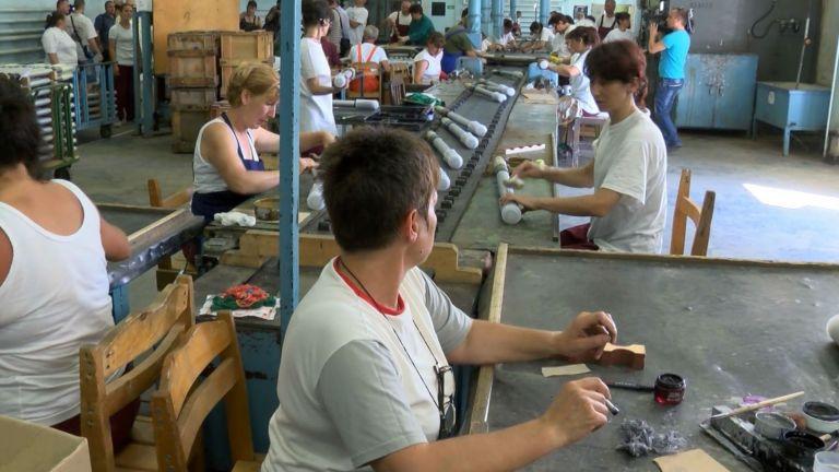 Вече година родната и световна икономики са поставени пред изпитанието