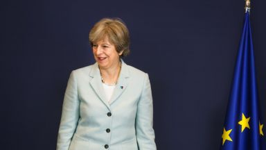 Тереза Мей към ЕС: Няма да позволя да разделите Великобритания