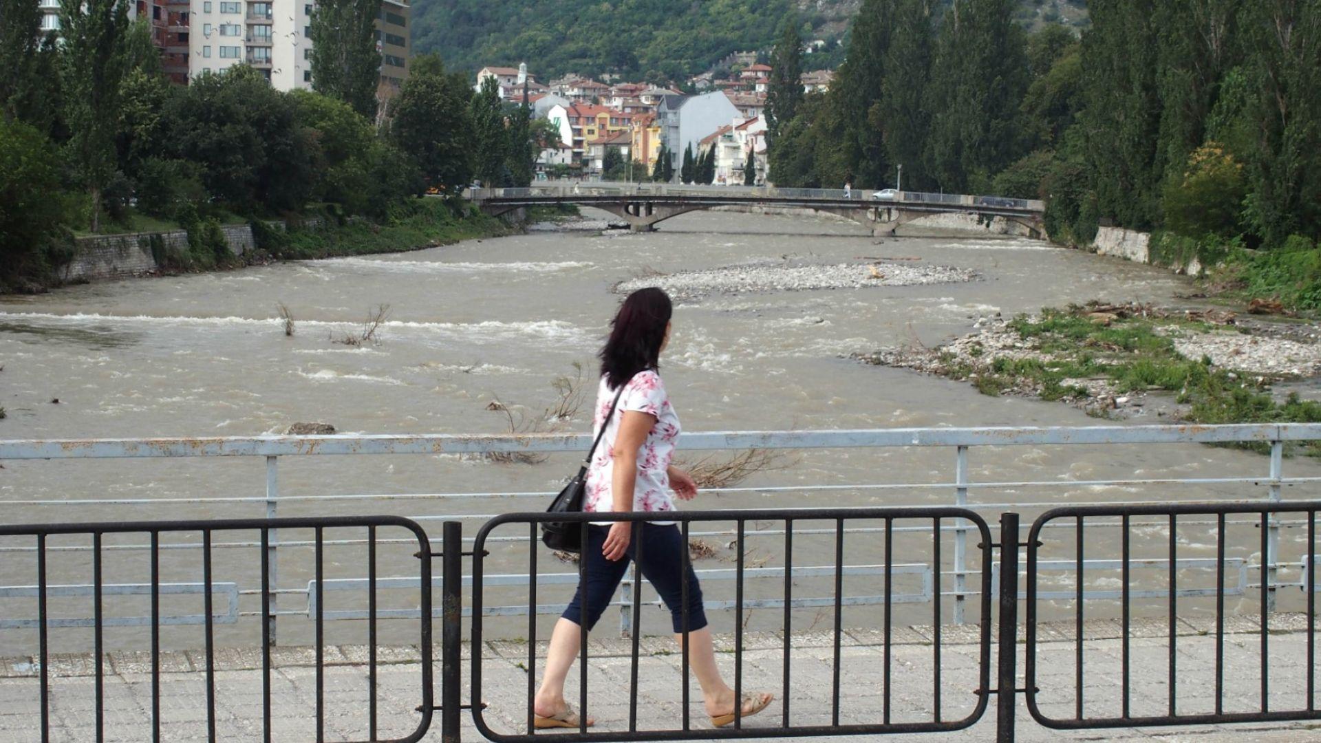 Десетки милиони лева са щетите по пътищата заради дъждовете