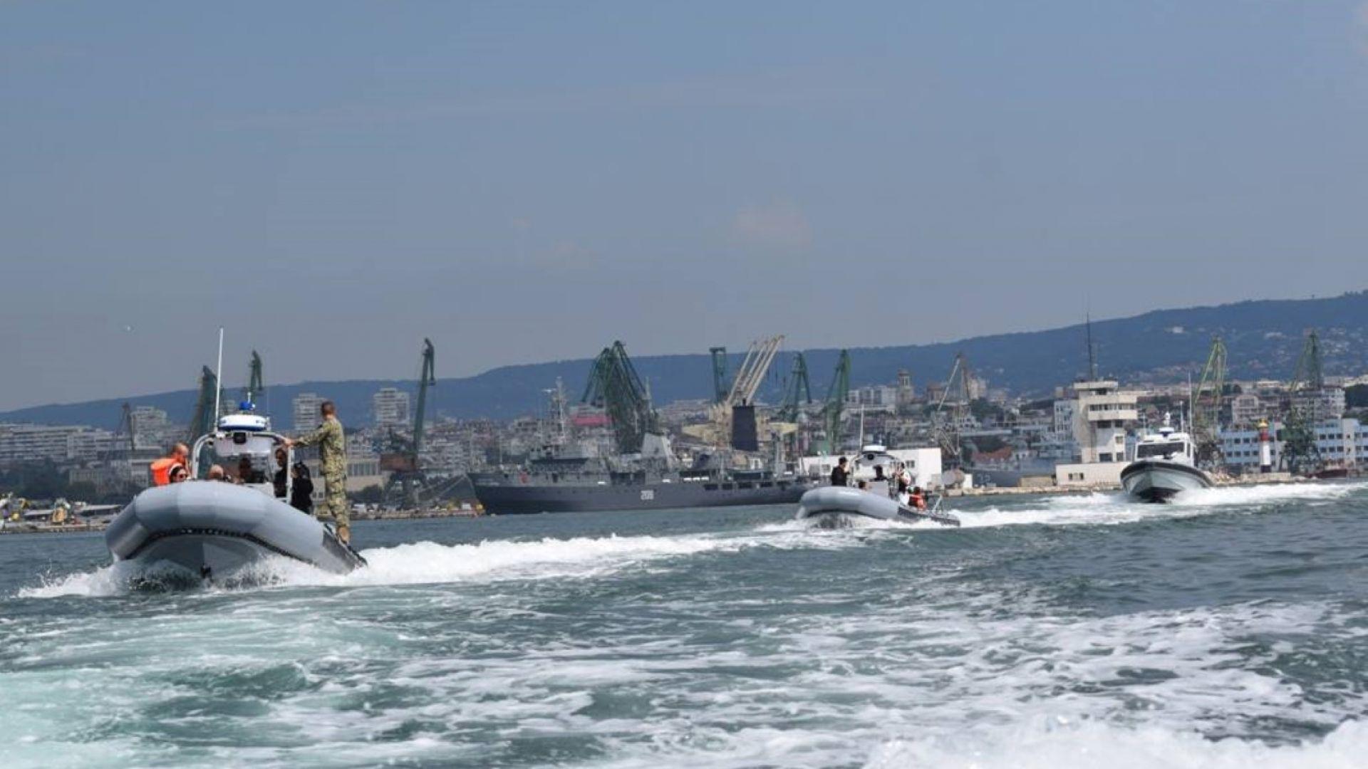 Българските ВМС получиха от САЩ нови бойни моторни лодки