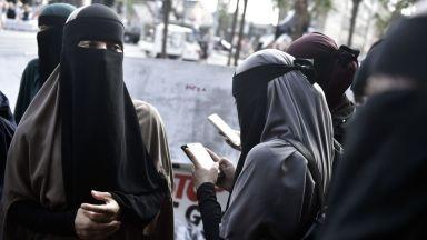 В Дания за пръв път наложиха глоба за носене на ислямско було