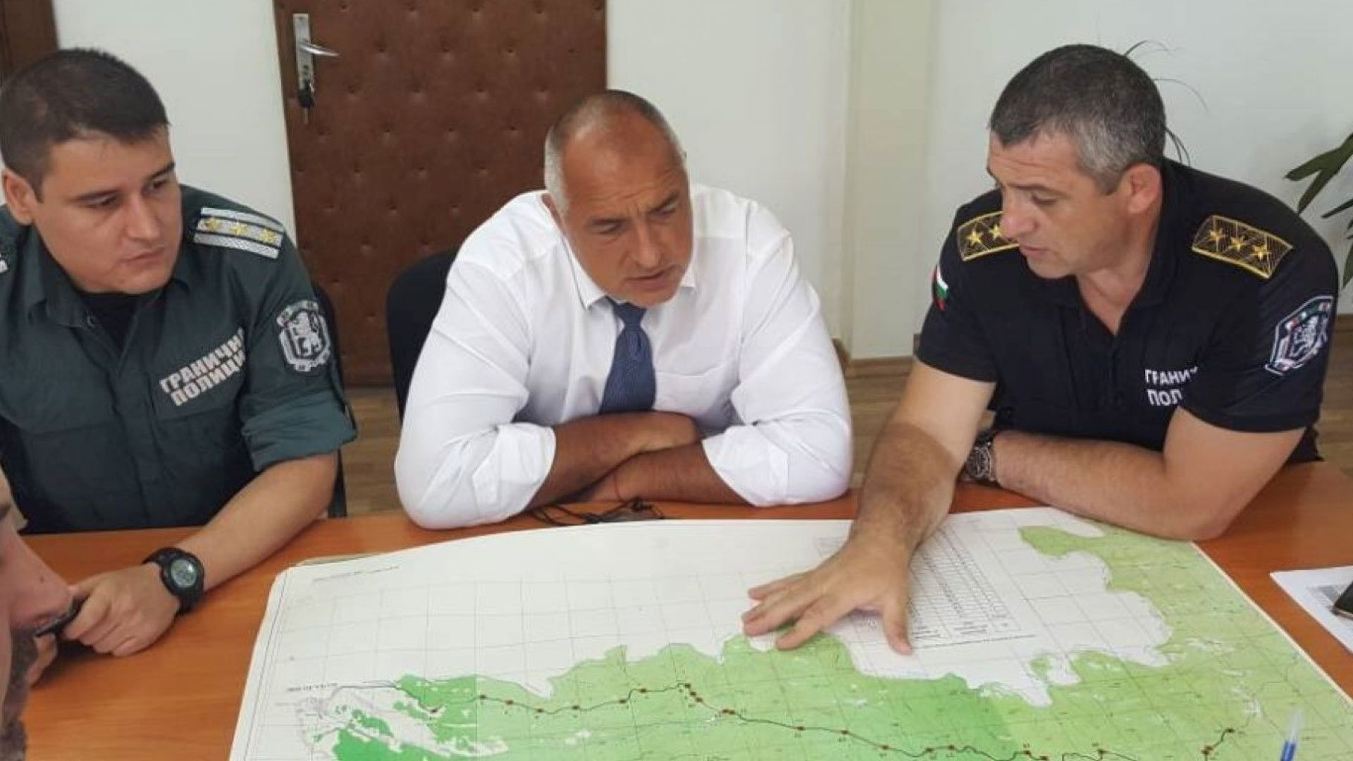 Премиерът: България е единствената неуязвима за мигранти страна