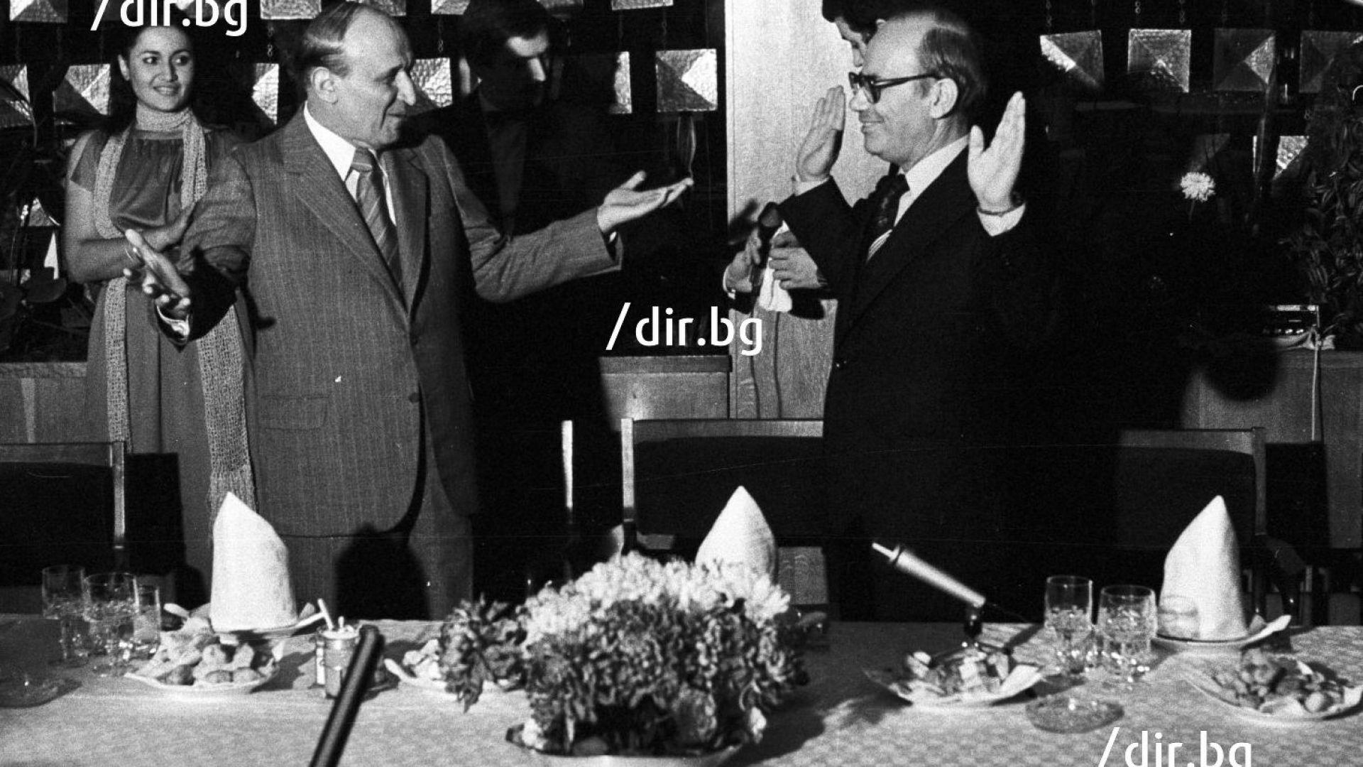 Лимузини, лов и пищни приеми: Как НРБ посрещаше величия от ГДР и СССР