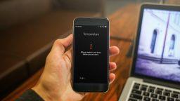 Как да предпазим смартфона от прегряване през лятото