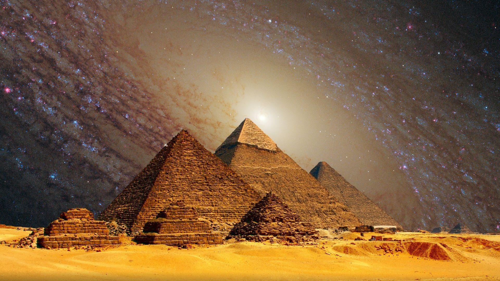 Пирамидите в Гиза концентрират електромагнитни вълни