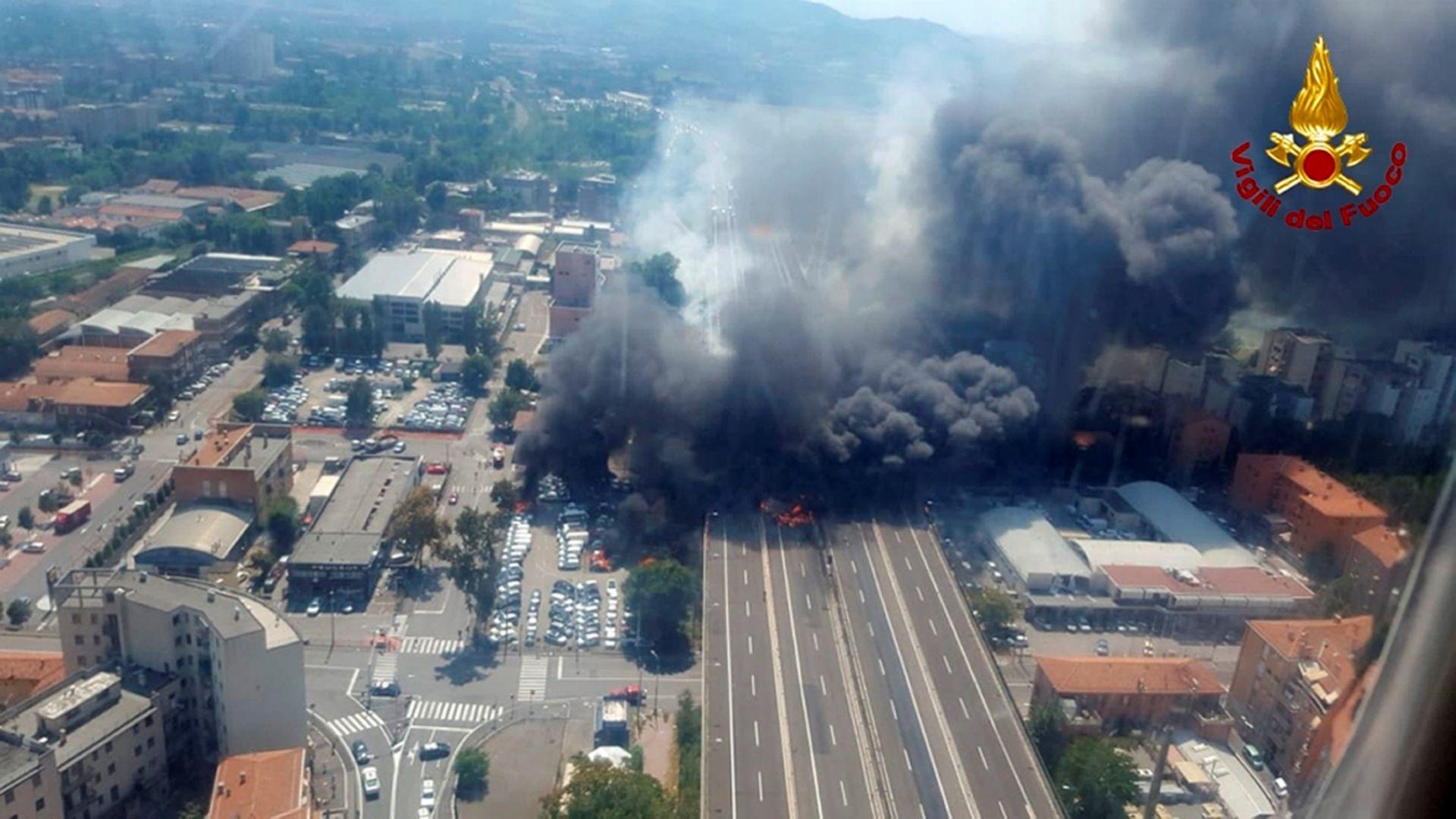 Взривът край Болоня: 1 загинал, 40 пострадали, счупени стъкла на къщи, срутен мост