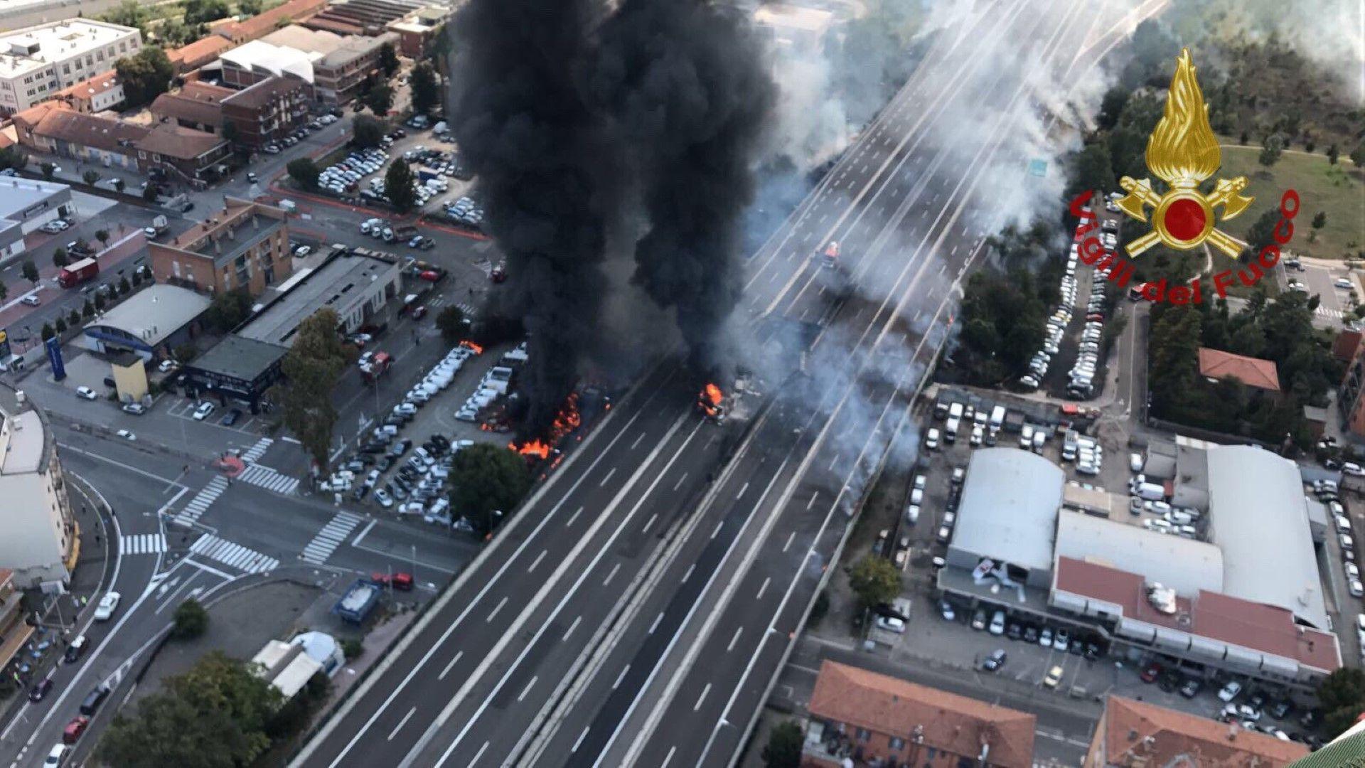 Двама са загинали и близо 70 са ранени при експлозията на цистерна с гориво в Италия