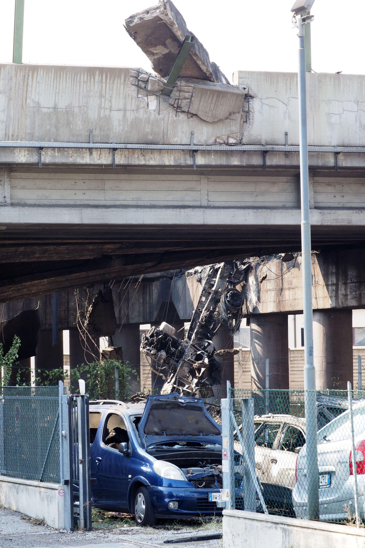 """Експлозията на магистралата край квартала """"Борго Панигале"""""""