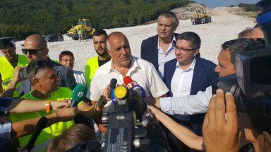 """Борисов: До септември 2019 г. ще бъдат готови още 2 участъка от """"АМ Хемус"""""""