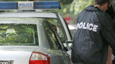Полицай се измъкна 5 пъти от магистрални засади, за да прибере парите от трафик