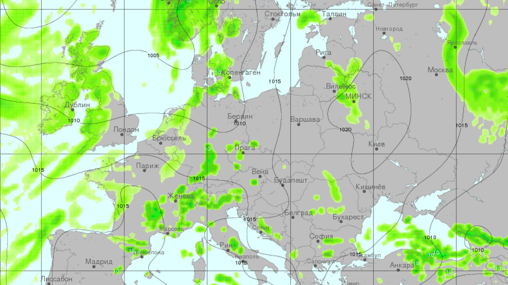 Карта на очакваните валежи и приземното атмосферно налягане.Вижда се обширният антициклон с център над Северна Украйна и Беларус, в чиято периферия се намира страната ни