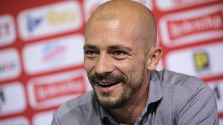 Бившият треньор на ЦСКА: В България е емоционално, балкански манталитет
