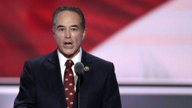 Арестуваха конгресмен, човек на Тръмп, за търговия с вътрешна информация
