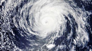 Ураганът Хектор приближава Хаваите