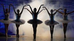 """Балетът на балетите """"Лебедово езеро"""" с премиера в нов съвременен прочит"""