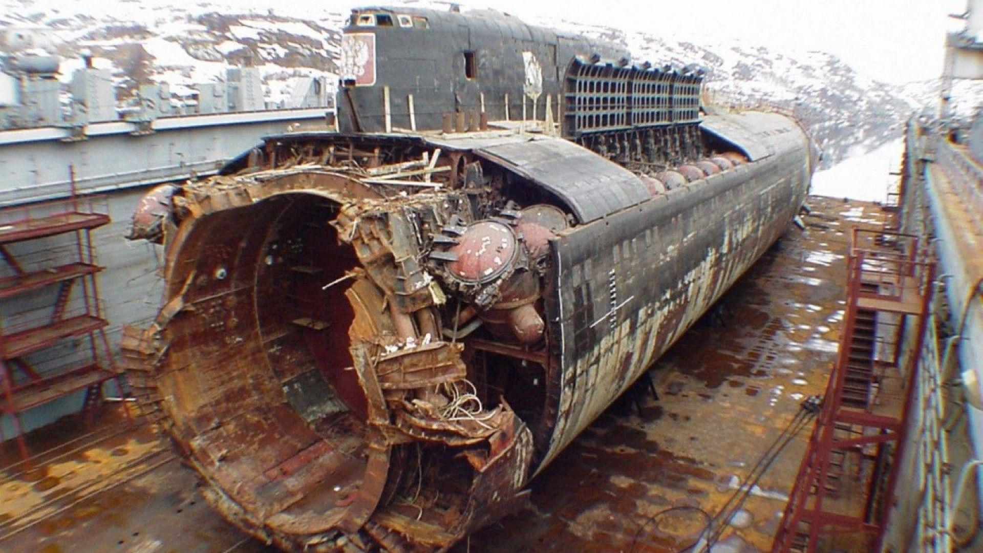 """Гибелта на руската подводница """"Курск""""- какво знаем и какво не след 18 години"""