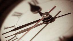 ЕС зацикли в преговорите за прекратяване на смяната на часовото време
