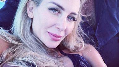 Антония показа провокативни снимки от медения месец, който продължи в Гърция