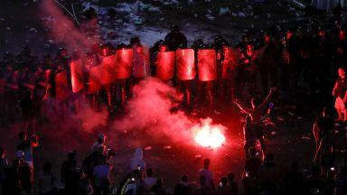 Проследихте на живо с Dir.bg: Размирната нощ в Букурещ