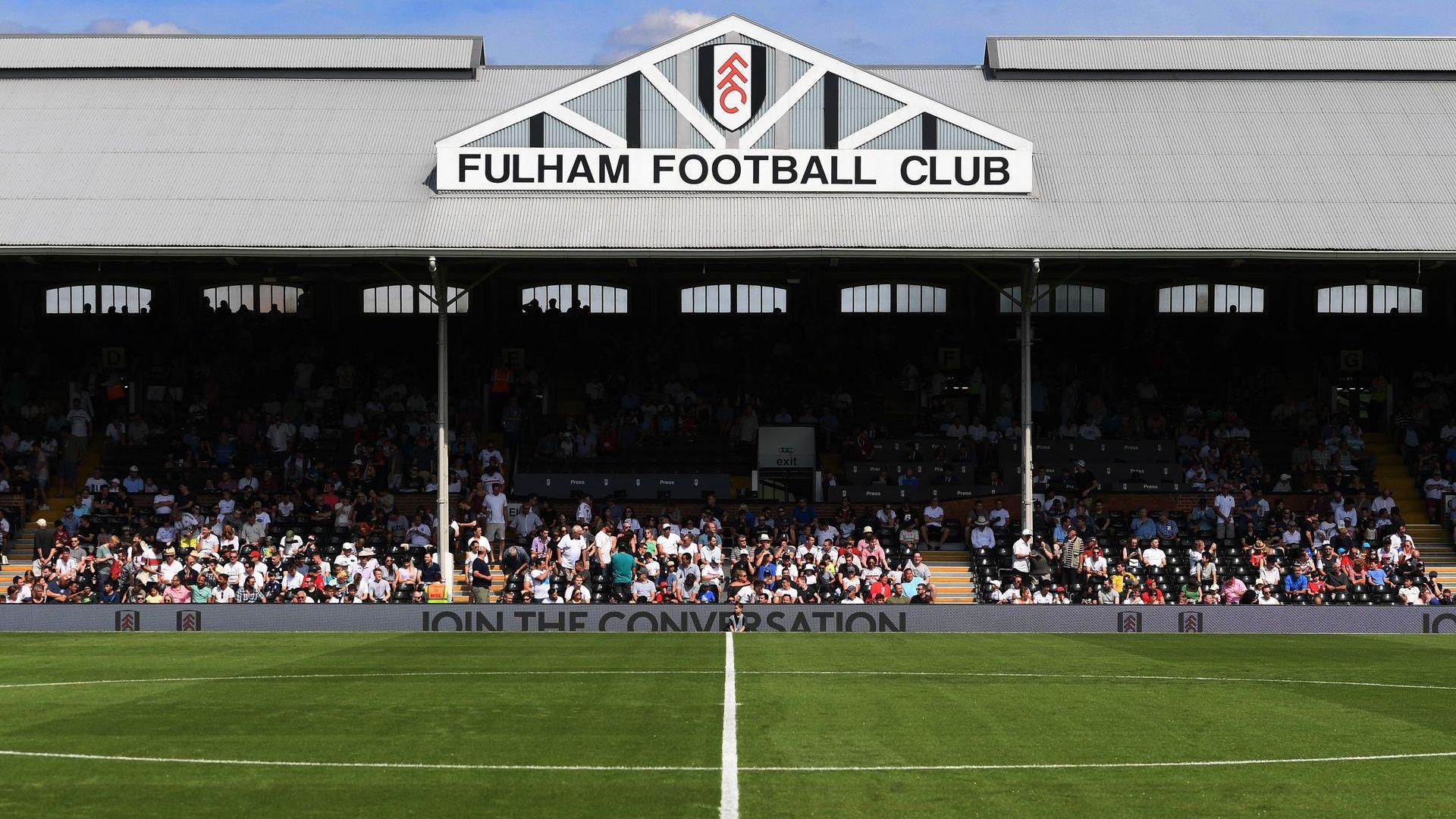 Призовават английското правителство да върне публиката на стадионите