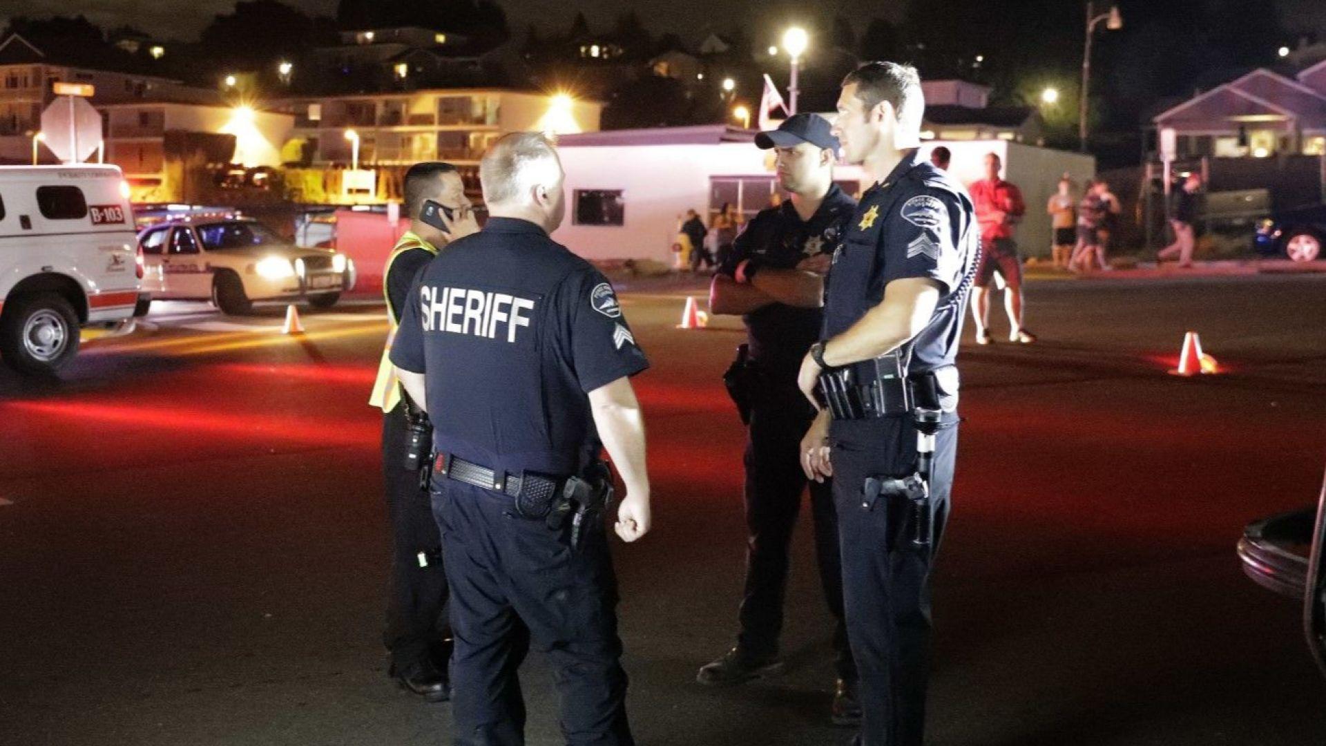 Служител открадна празен пътнически самолет в Сиатъл, излетя и се разби