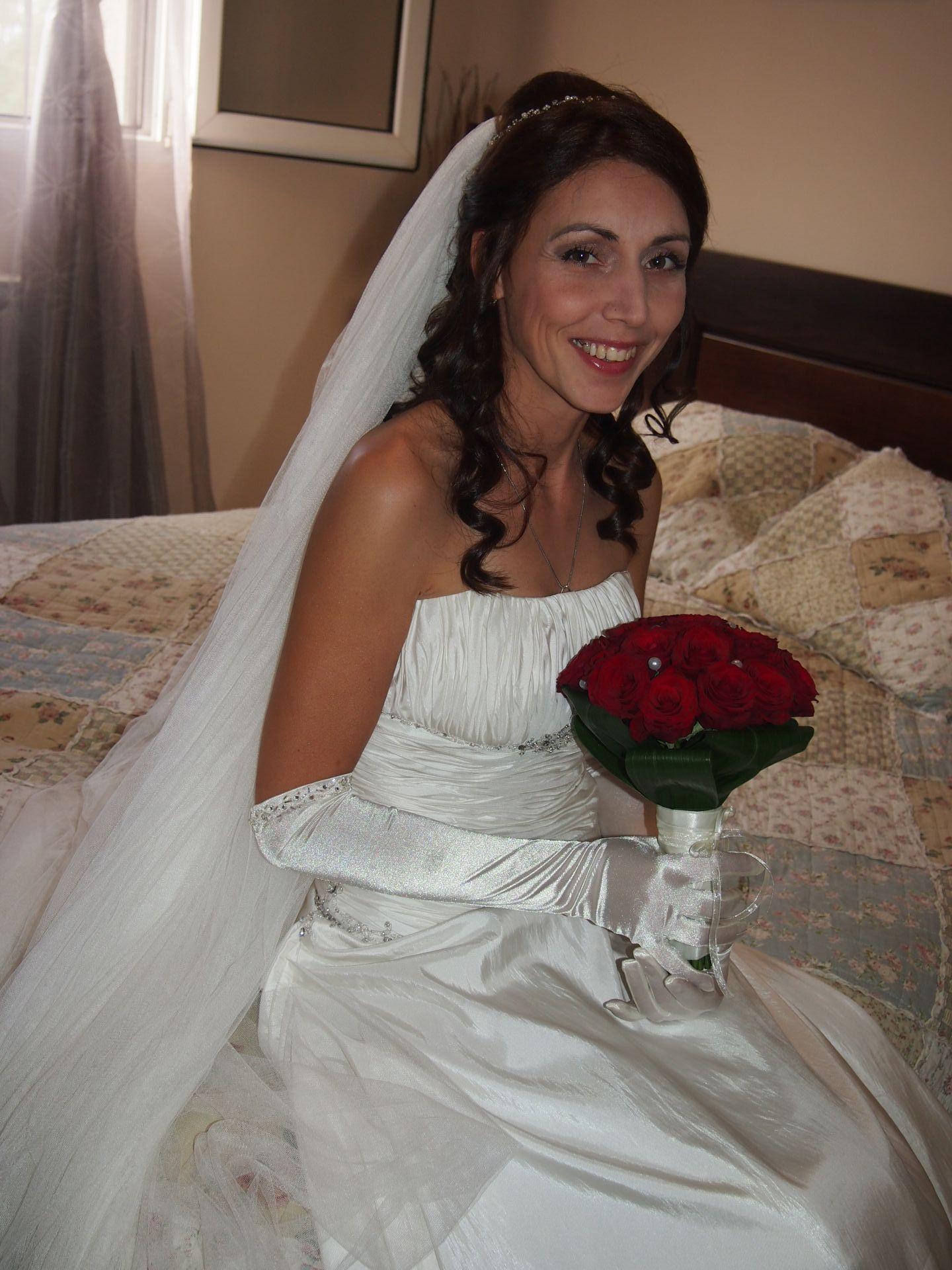 Вера с булчинския букет (Снимка: Личен архив)