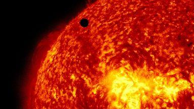 """НАСА изстреля """"сондата """"Паркър"""" към Слънцето"""""""