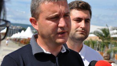 Горанов отговори на президента: Не приемам атаки срещу държавната администрация