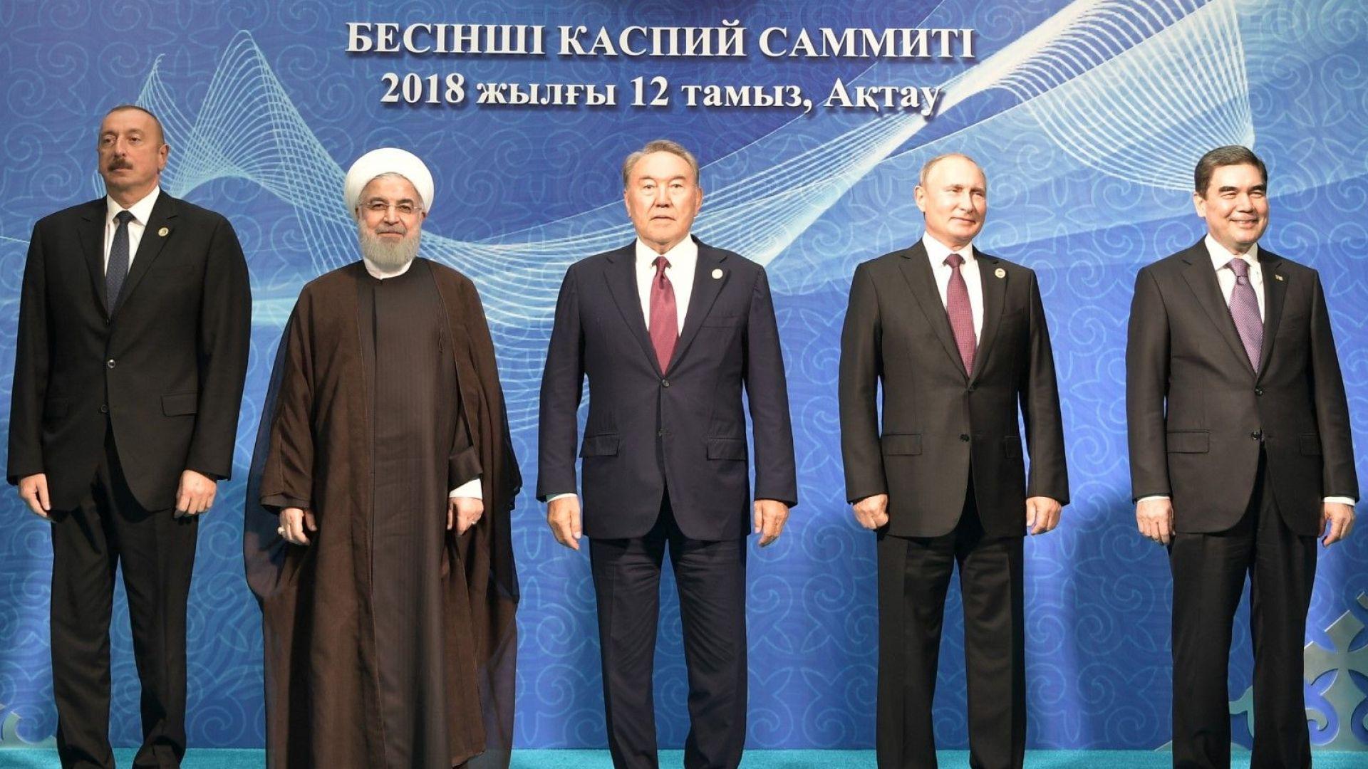 """Каспийската """"петорка"""" си поделя богатото на ресурси море"""