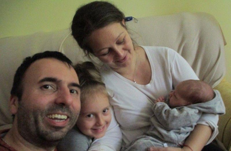 Семейството се нуждае от 87 520 евро за лечението на Албена