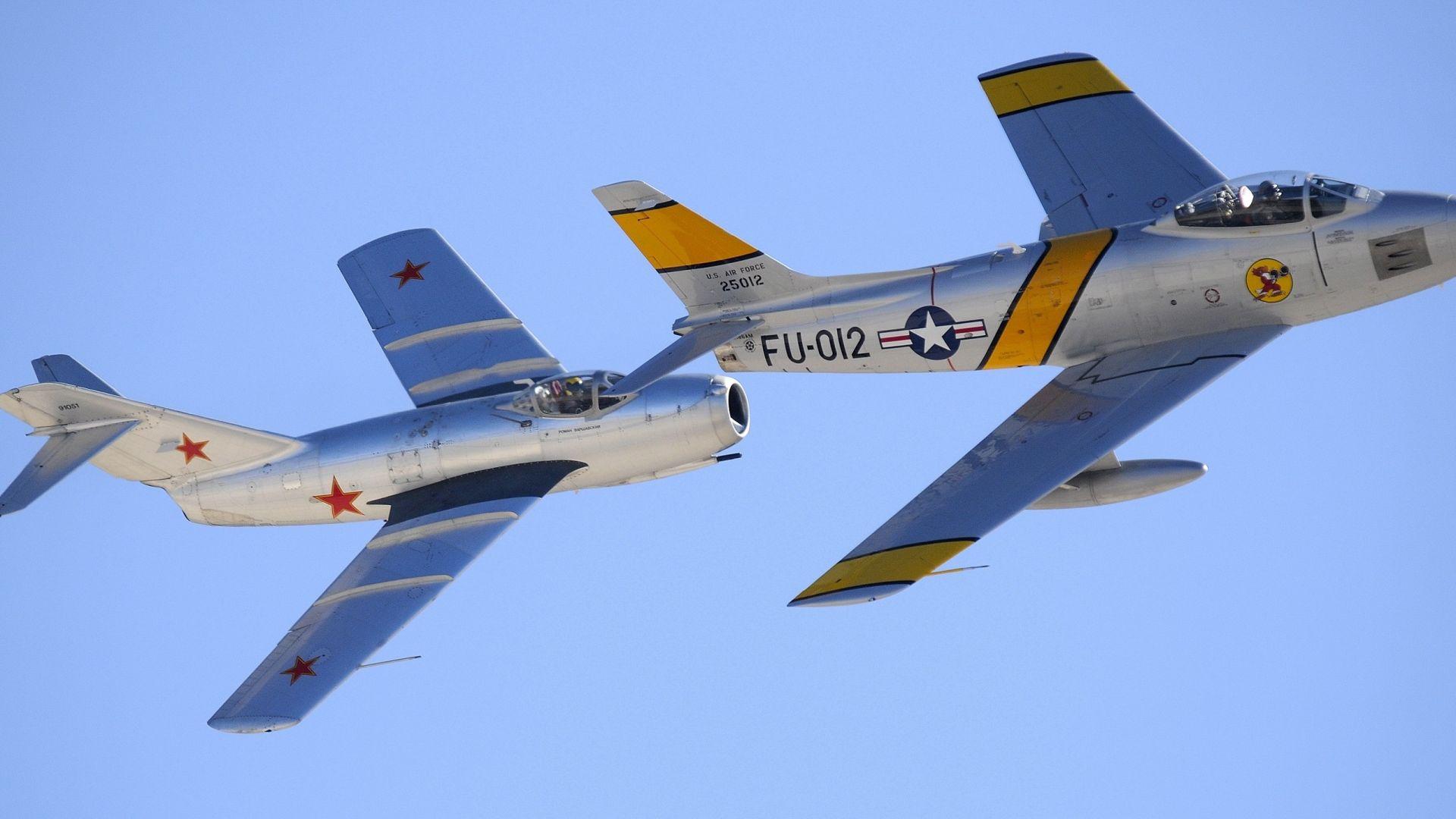 МиГ-15 срещу F-86 Sabre (снимки)